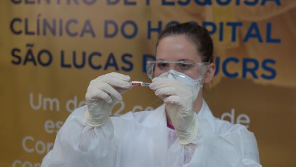 Voluntários retornam para a segunda dose da vacina contra a Covid-19