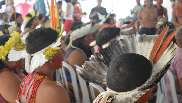 Seminário aborda os direitos humanos e a tradição dos povos indígenas