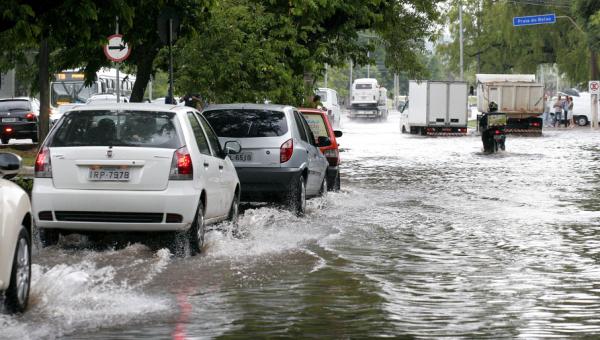 População pode ajudar a mapear pontos de alagamento em Porto Alegre