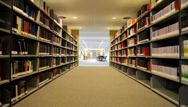 Alunos podem produzir capas de trabalhos acadêmicos on-line
