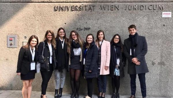Alunos da Escola de Direito participam de competições de arbitragem
