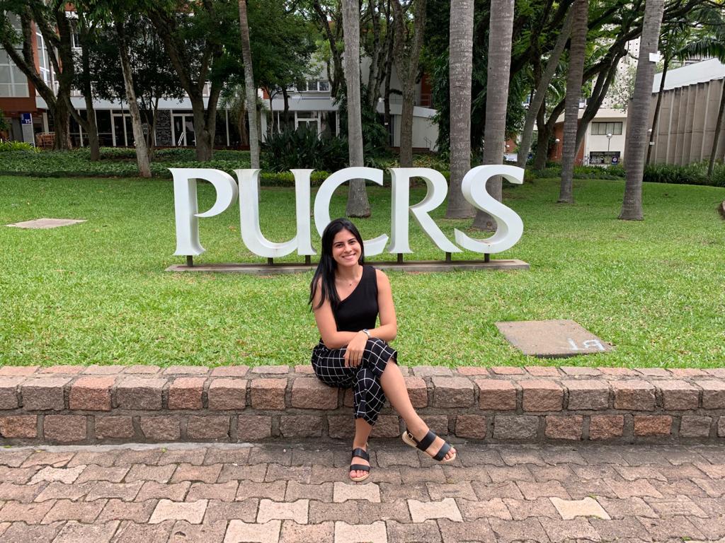 Mestranda da PUCRS lança livro sobre sua experiência com pacientes internados por Covid-19