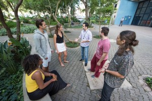 PUCRS' and international students learning the language in a more dynamic way. Photo: Bruno Todeschini - Ascom/PUCRS