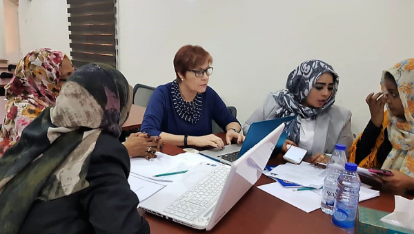 PUCRS professor teaches health care professionals in Africa