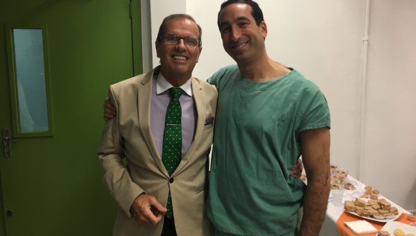 American doctor delivers training for residents at São Lucas Hospital