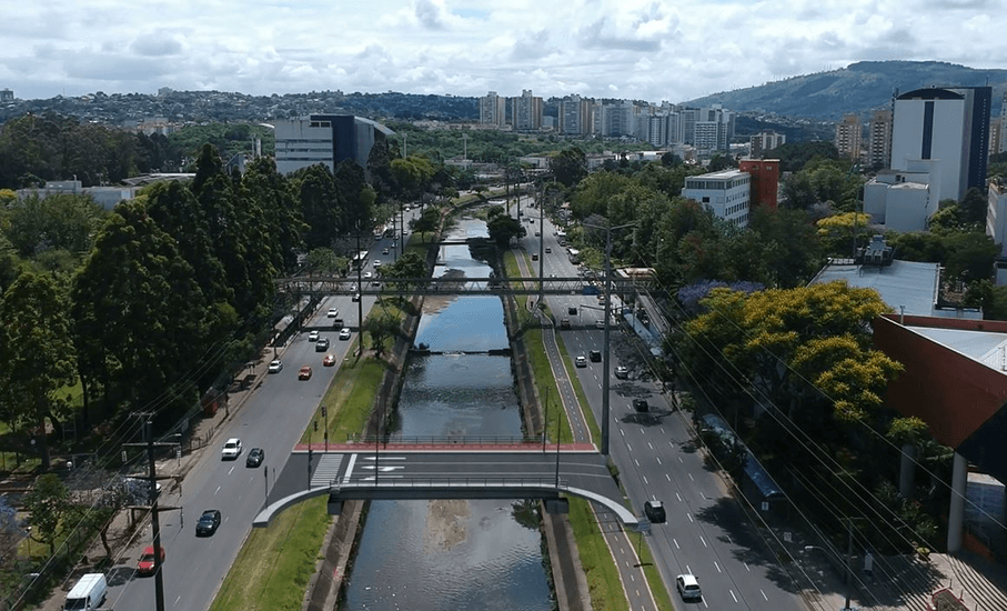 Bridge to reduce traffic and facilitate access to Hospital