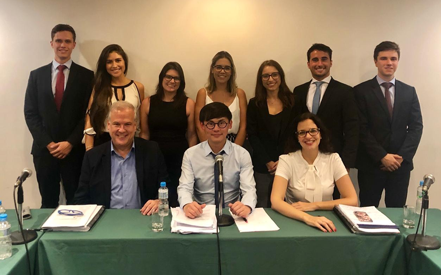 PUCRS' Arbitration team and Rio Pre-Moot arbitrators | Photo: personal archives