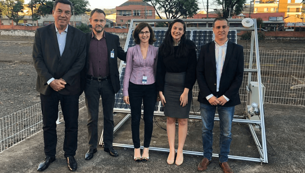 Representative of UK Embassy learns about renewable energy projects