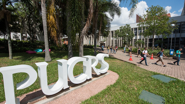 PUCRS' student center continue to offer remote services