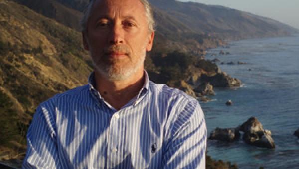 António Costa Pinto, da Universidade de Lisboa, lança livro e ministra palestra