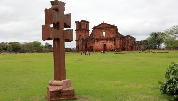 Exposição com peças missioneiras em Santo Ângelo