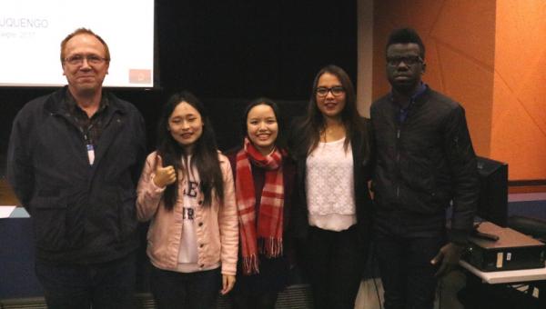 Colóquio reúne intercambistas para falar de cultura e religião