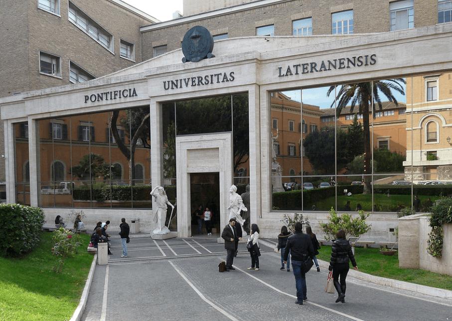 Teologia, Escola de Humanidades, Dupla titulação