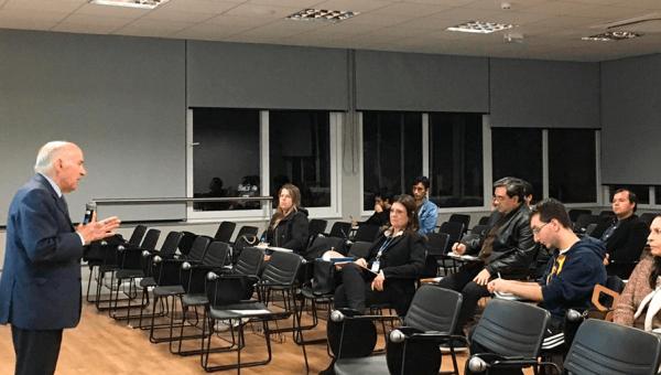 Docente da Universidade Autónoma de Lisboa faz palestra no PPG em História