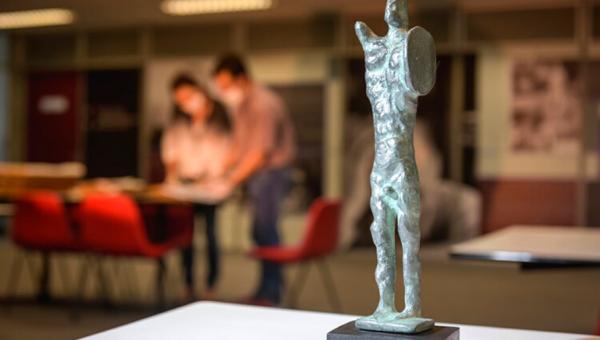 Instituto de Cultura e professor da PUCRS recebem Açorianos de Literatura 2020