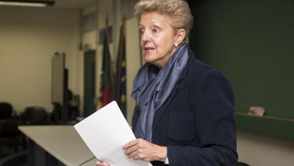 Universitat de Barcelona professor teaches a course on autobiography at PUCRS
