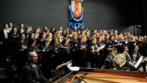 Concerto especial para os 60 anos do Coral da PUCRS
