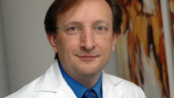 Escola de Medicina recebe Carlos Simón Vallés
