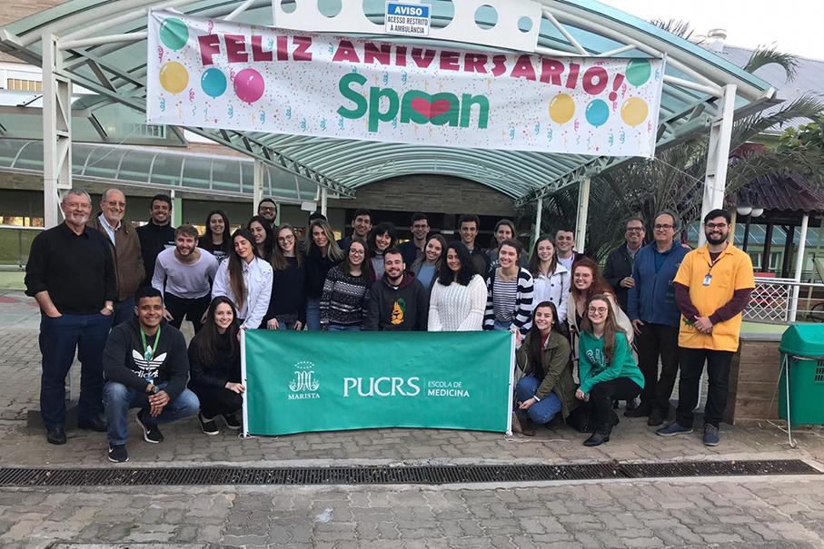 Alunos da Escola de Medicina realizam ação voluntária na Spaan