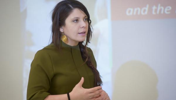 Professora visitante Carmen Moret Tatay participa de atividades do PUCRS-PrInt