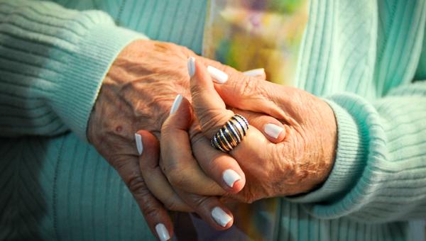Instituto do Cérebro seleciona idosos para estudo sobre memória