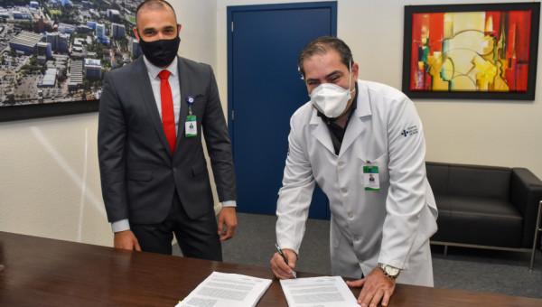 HSL formaliza contrato para testagem da CoronaVac e prepara seleção de voluntários