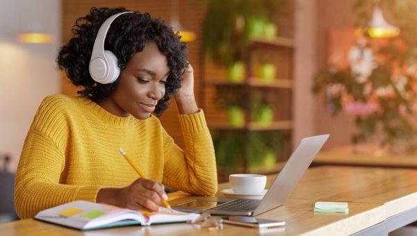 5 dicas: atividades que auxiliam a desenvolver um novo idioma
