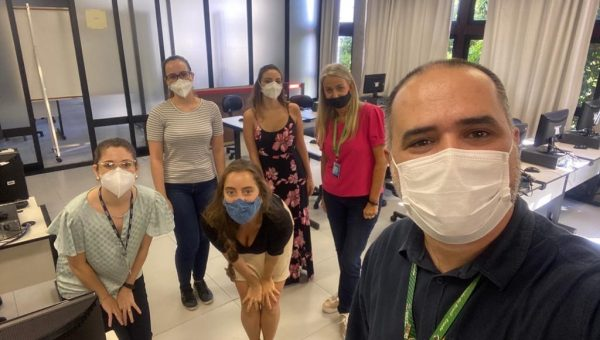 Alunos da Escola de Medicina participam de projeto de telemedicina que orienta pacientes com COVID-19