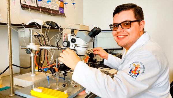 Medicine and Health Sciences Graduate student began research internship in Belgium