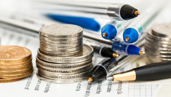 Estúdio de Finanças oferece palestras, debates e curso