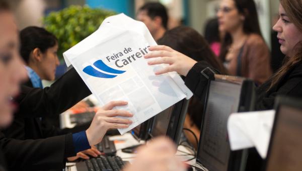 Feira de Carreiras reúne empresas, estudantes e profissionais