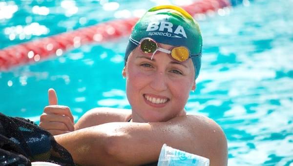 Aluna da Escola de Negócios é atleta de destaque na natação