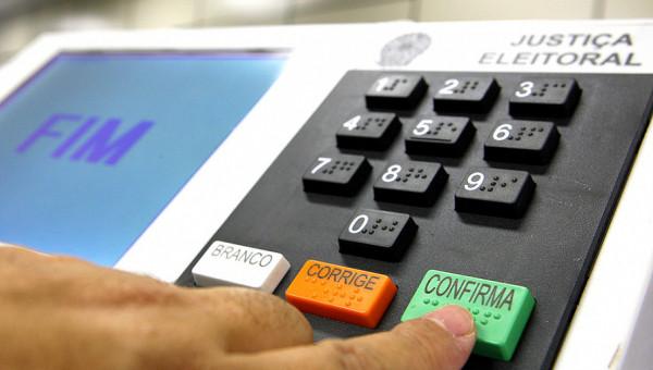 Escola de Negócios e Corecon entrevistam candidatos ao Governo do RS