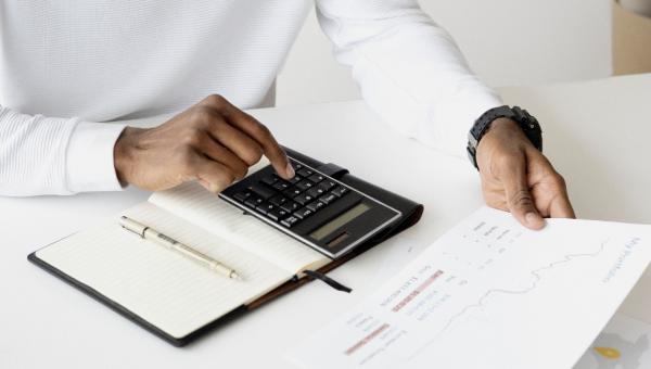 Veja 5 dicas de como quitar as dívidas e manter o nome limpo