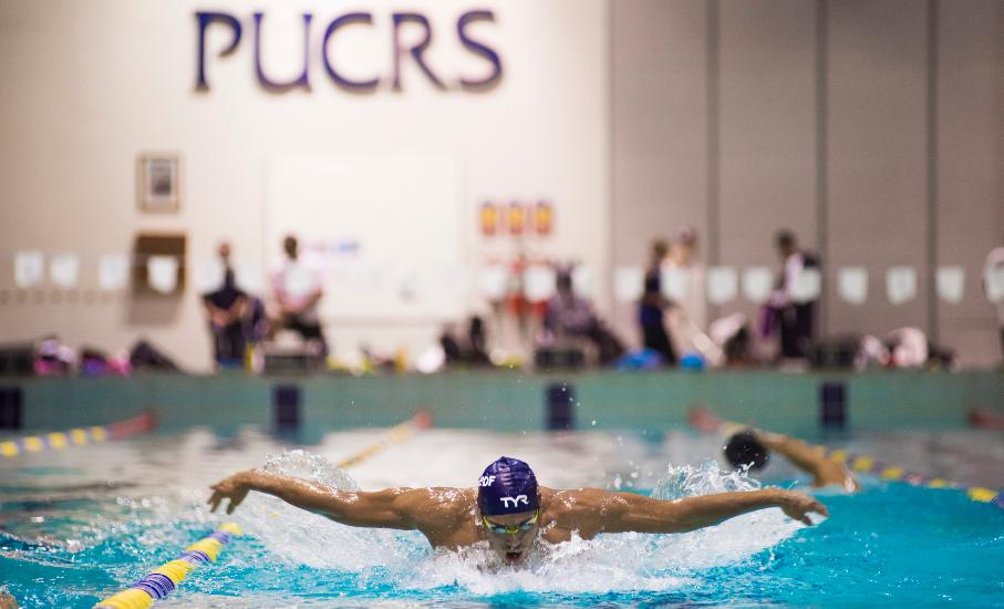Cinco motivos para praticar natação e atividades aquáticas na PUCRS