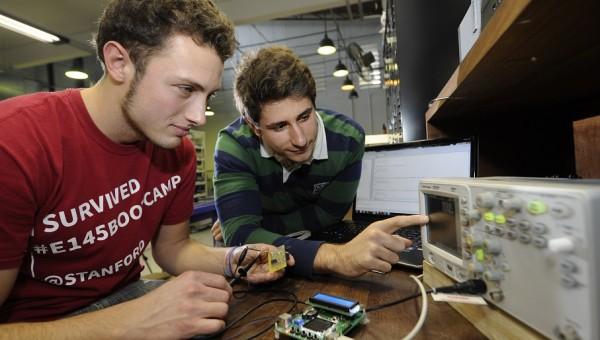 Bolsas no exterior contemplam estudantes das Engenharias
