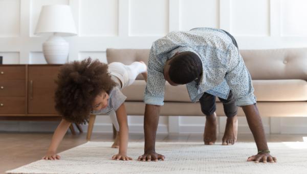 """Como """"achatar a curva"""" do coronavírus com exercícios em casa"""