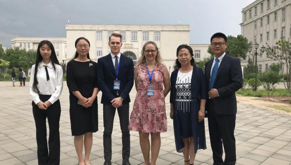 Professores representam a PUCRS em seminário na China