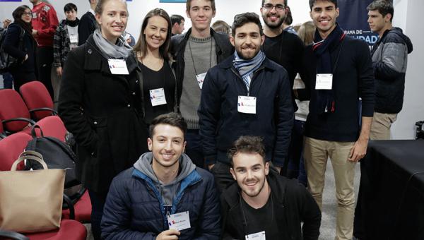 Alunos das Engenharias se preparam para estudos na França