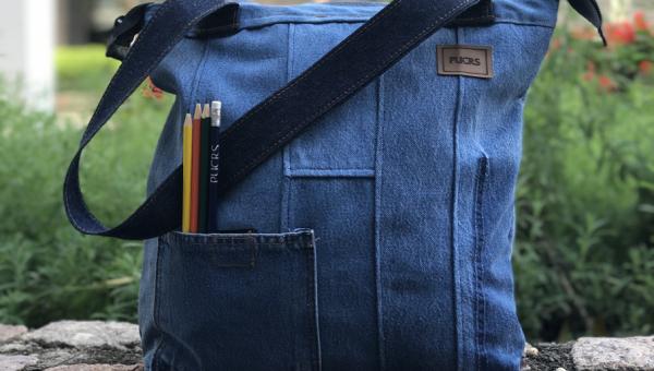 PUCRS Store lança produtos em jeans e incentiva a economia solidária