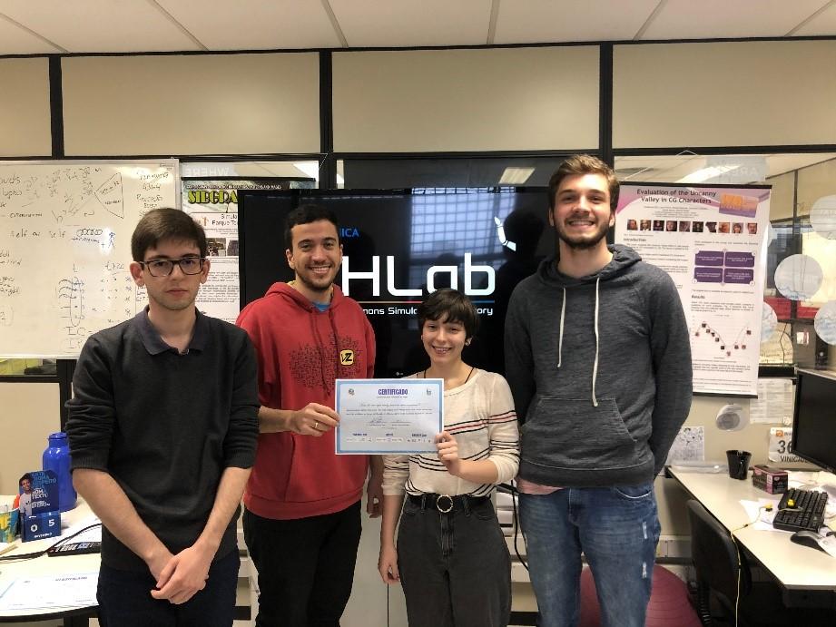 Alunos de Ciência da Computação com a Premiação
