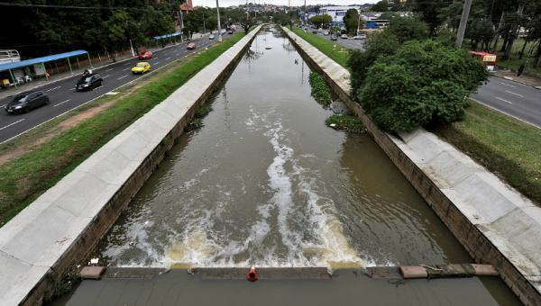 Análises do Instituto do Meio Ambiente da PUCRS geram diagnóstico do Arroio Dilúvio
