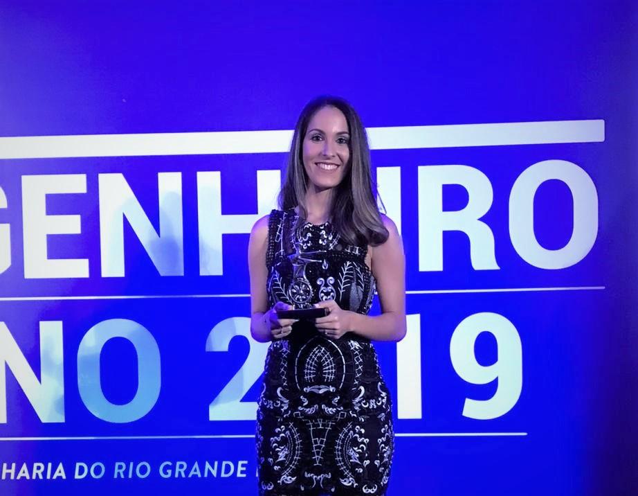 Camila Kolling dos Reis, aluna de Engenharia de Computação, foi a vencedora do destaque Acadêmico 2019