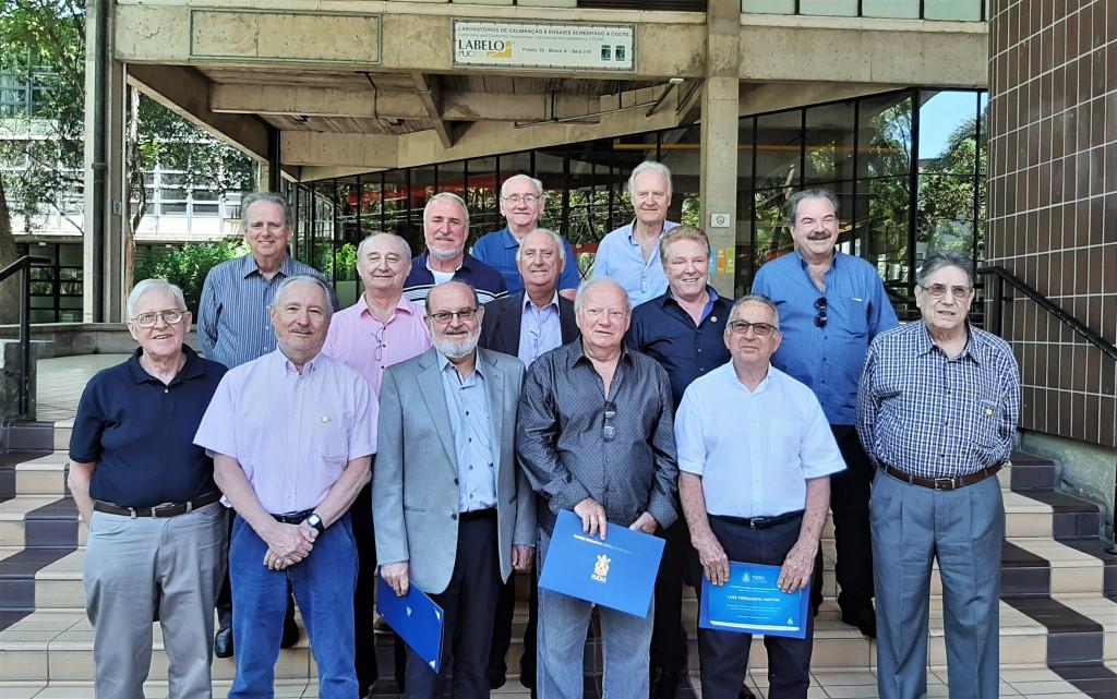 Diplomados em Engenharia Mecânica comemoram 50 anos de formatura