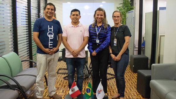 Pesquisadores peruanos conhecem estruturas da Escola Politécnica
