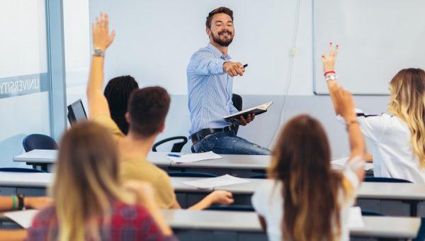 Mestrado e doutorado: saiba como são os estudos na formação stricto sensu
