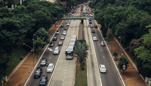 Porvídeos einteligência artificial,sistema reconhece tipos de veículos nas rodovias