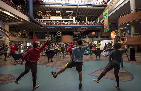 Flash mob, Museu de Ciências e Tecnologia,Faculdade de Educação Física e Ciências do Desporto,Dança,Exercício Físico