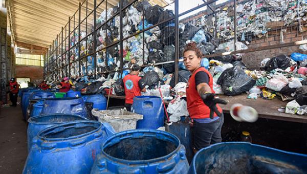 Os contrastes da indústria do lixo