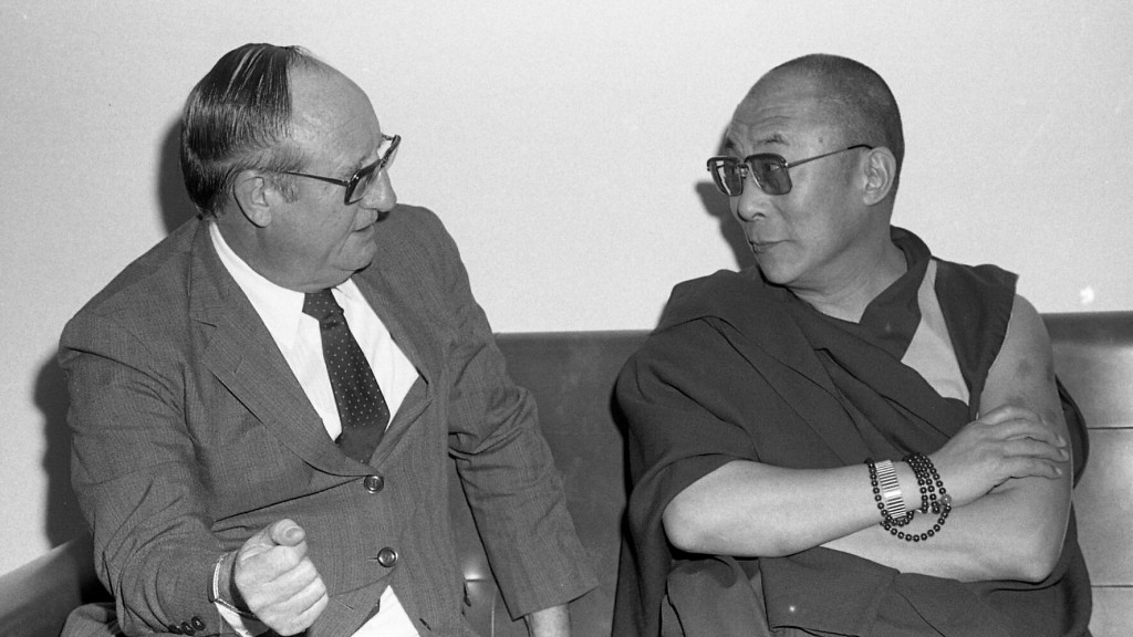 Em 1992, a PUCRS recebeu Dalai Lama para palestra. Na foto, conversa com o reitor Ir. Norberto Rauch